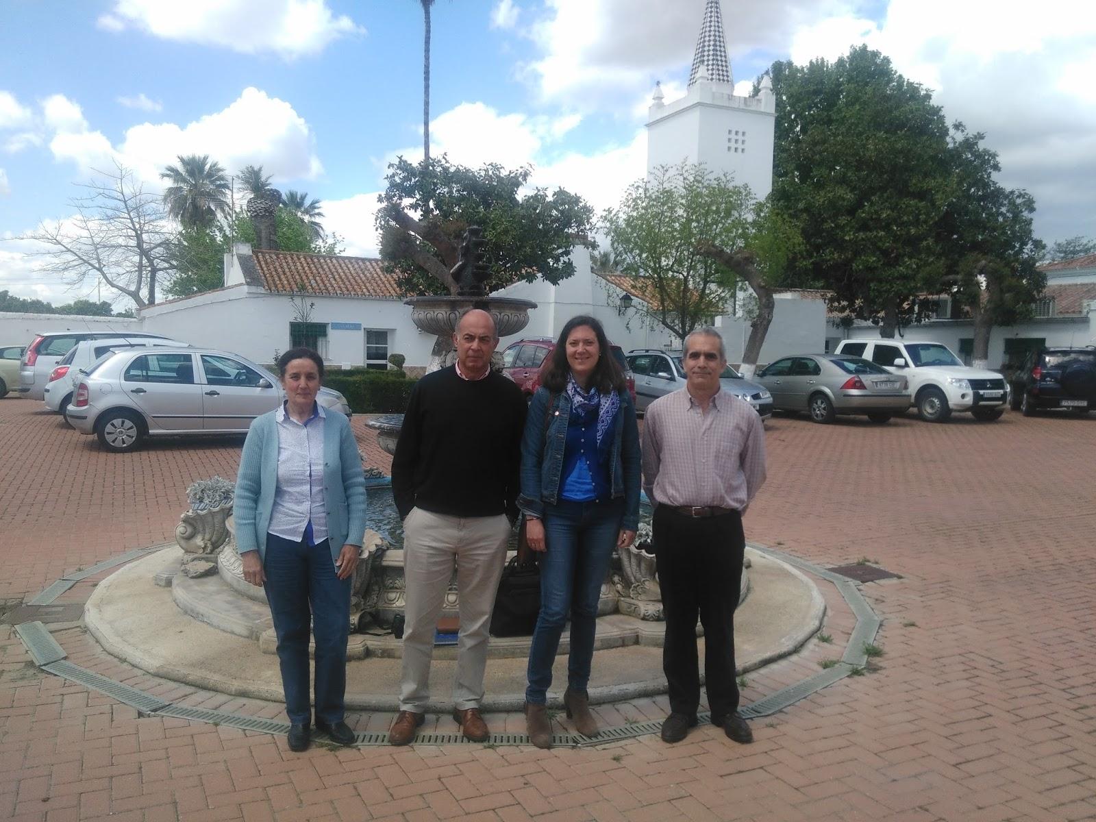 Colaboradores del IFAPA junto al Director de la Cátedra